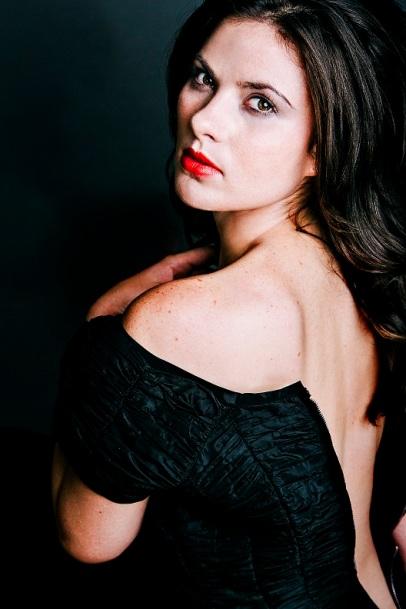 Amanda Greer plays